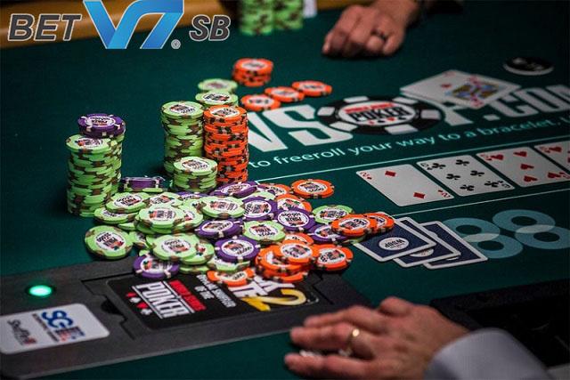 Luật chơi Poker là kiến thức cơ bản mà bạn cần biết